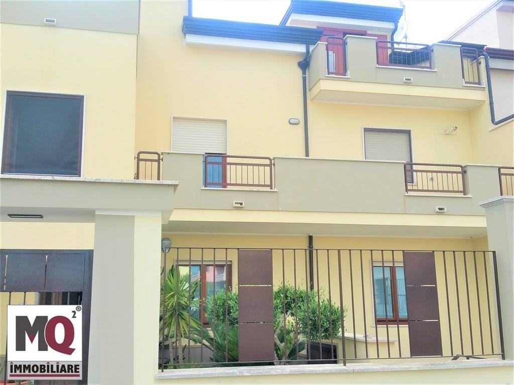 Appartamento in vendita a Mondragone, 3 locali, prezzo € 118.000 | CambioCasa.it