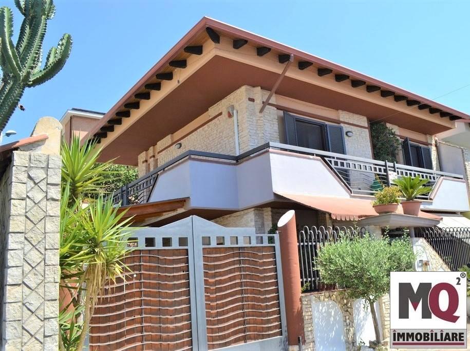 Villa in Vendita a Mondragone