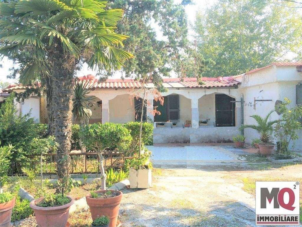 Villa in vendita a Mondragone, 3 locali, zona Zona: Pescopagano, prezzo € 30.000 | CambioCasa.it