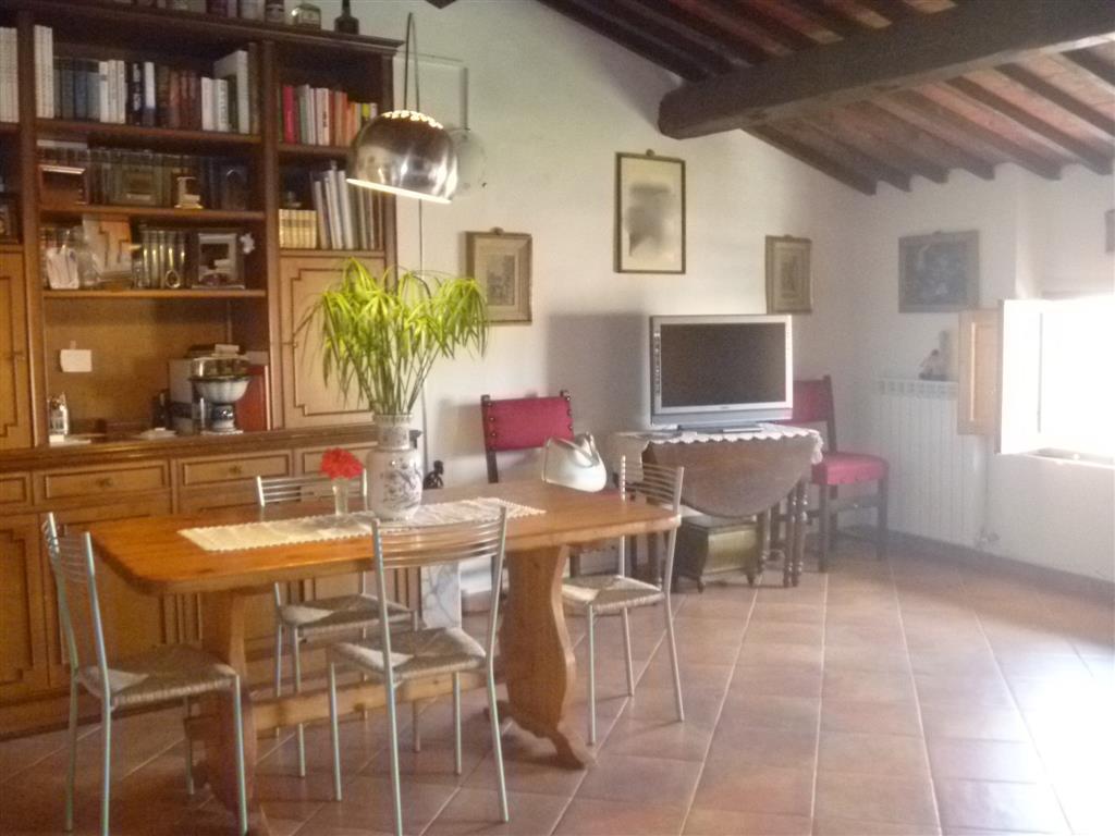 Soluzione Indipendente in vendita a Castelfiorentino, 9 locali, prezzo € 280.000 | Cambio Casa.it