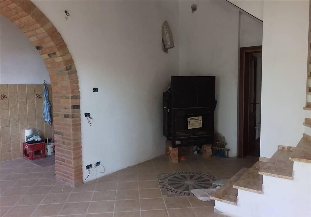 Soluzione Indipendente in vendita a Castelfiorentino, 7 locali, prezzo € 300.000 | Cambio Casa.it