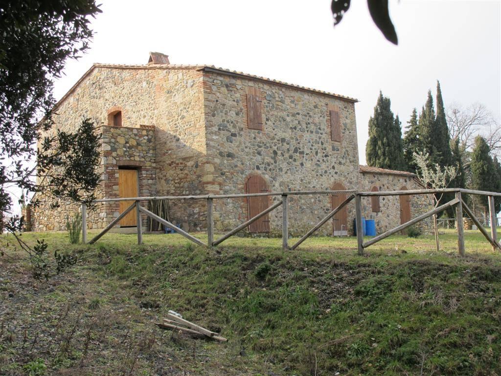 Soluzione Indipendente in vendita a Pomarance, 11 locali, zona Zona: San Dalmazio, prezzo € 390.000 | Cambio Casa.it