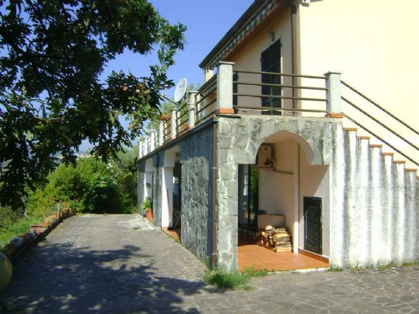 Soluzione Indipendente in vendita a La Spezia, 6 locali, zona Località: PIEVE, prezzo € 450.000   CambioCasa.it