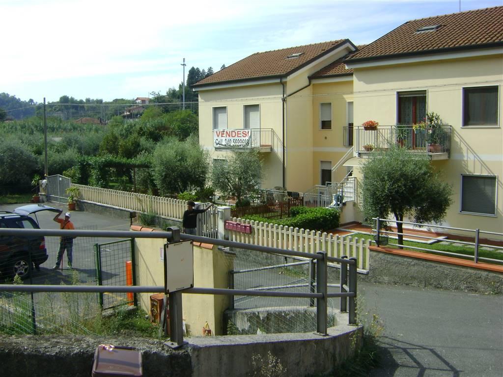 Soluzione Indipendente in vendita a Vezzano Ligure, 5 locali, zona Zona: Prati, prezzo € 145.000 | Cambio Casa.it