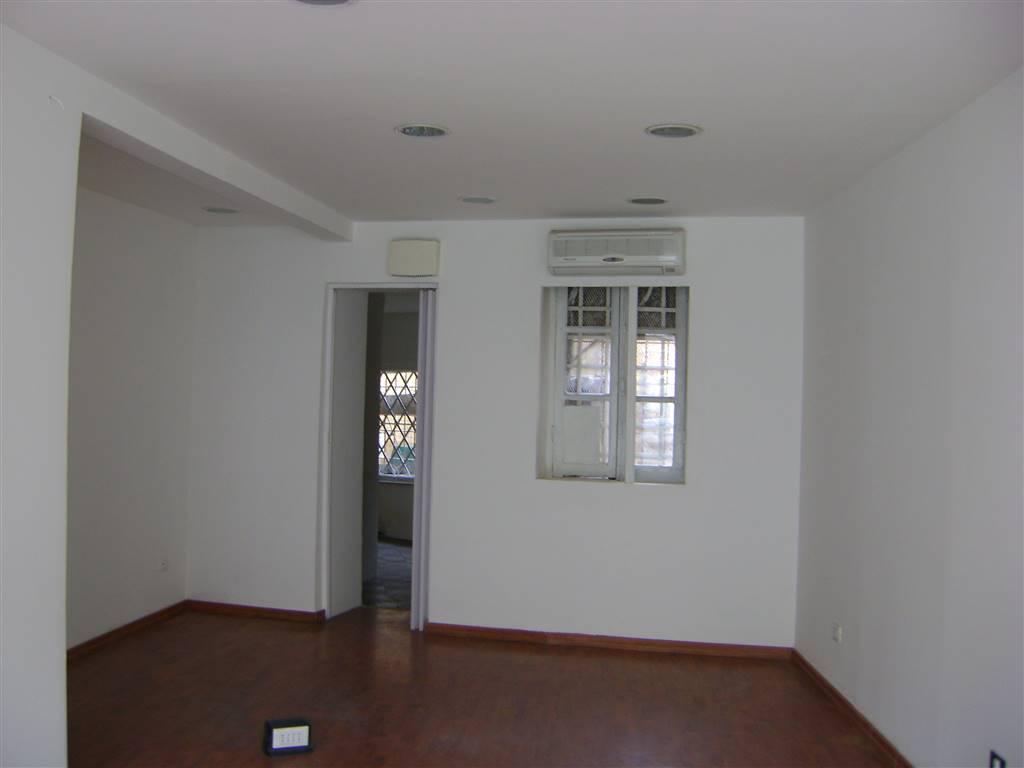 Negozio / Locale in affitto a Sarzana, 9999 locali, prezzo € 1.000 | CambioCasa.it
