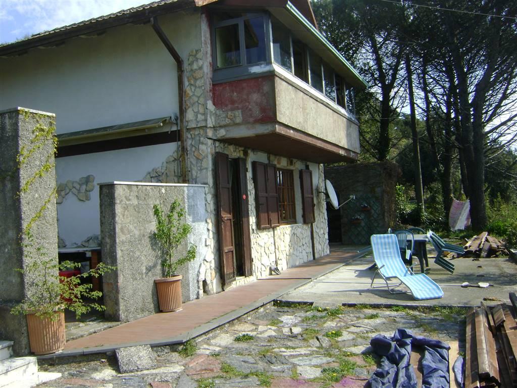 Soluzione Indipendente in vendita a Fosdinovo, 5 locali, prezzo € 190.000 | CambioCasa.it