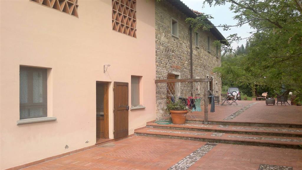 Soluzione Indipendente in vendita a Vaglia, 7 locali, zona Zona: Pratolino, prezzo € 800.000 | Cambio Casa.it