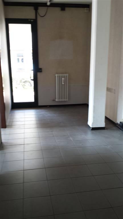 Negozio / Locale in affitto a Campi Bisenzio, 3 locali, zona Zona: Santo Stefano, prezzo € 620 | CambioCasa.it