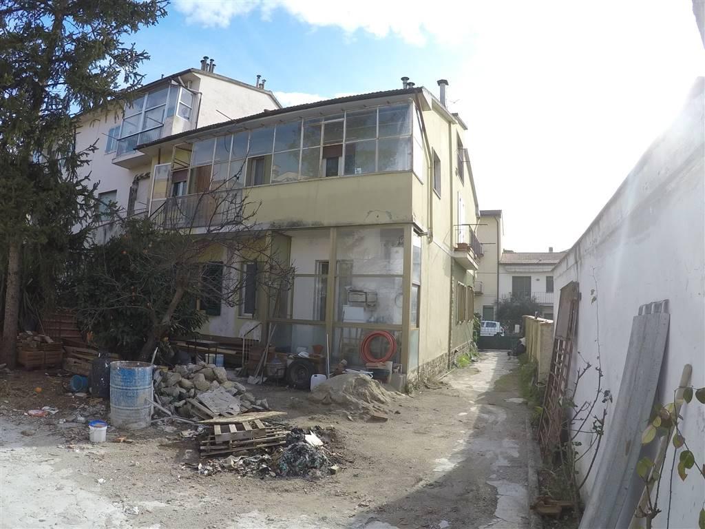 Villa in vendita a Sesto Fiorentino, 10 locali, zona Zona: Colonnata, prezzo € 550.000 | Cambio Casa.it