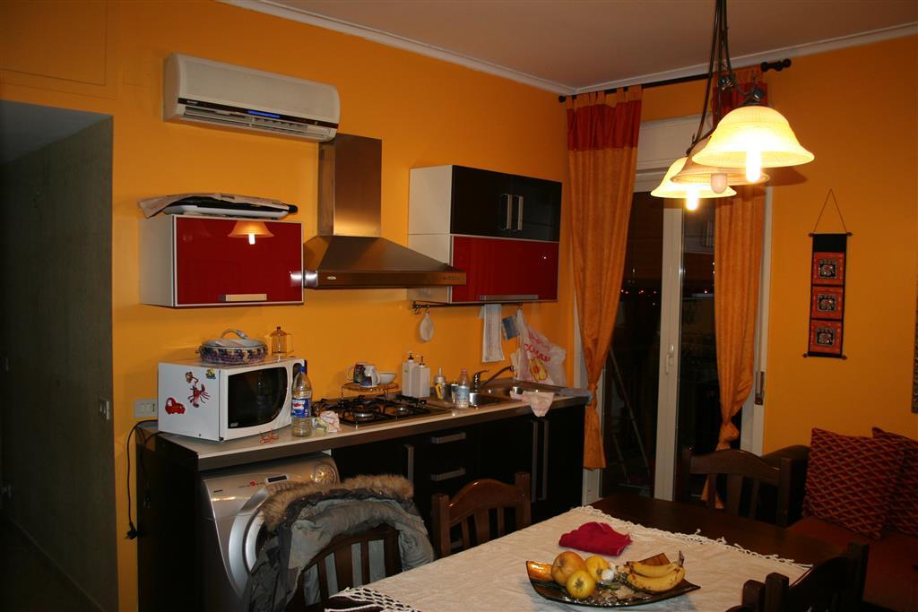 Appartamento in vendita a Ficarazzi, 3 locali, prezzo € 100.000 | Cambio Casa.it