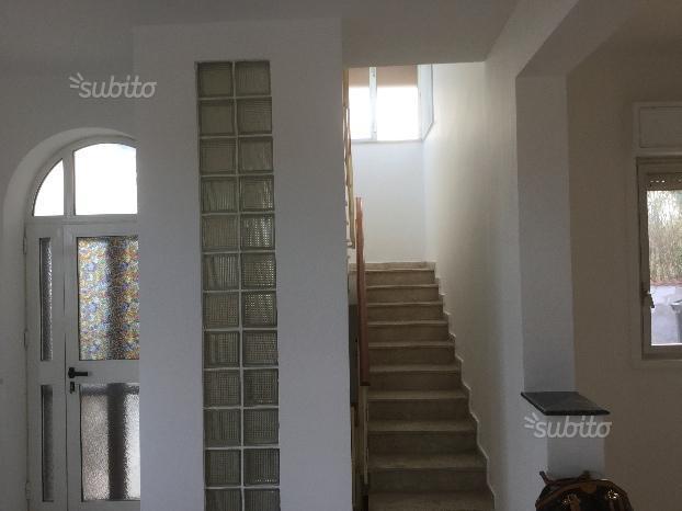 Villa in vendita a Palermo, 4 locali, prezzo € 250.000   Cambio Casa.it