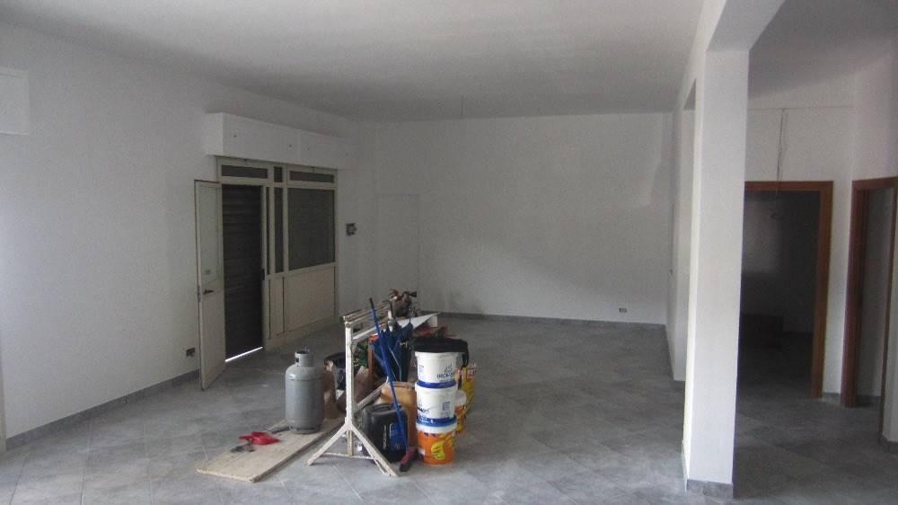 Negozio / Locale in vendita a Ficarazzi, 3 locali, prezzo € 240.000 | Cambio Casa.it