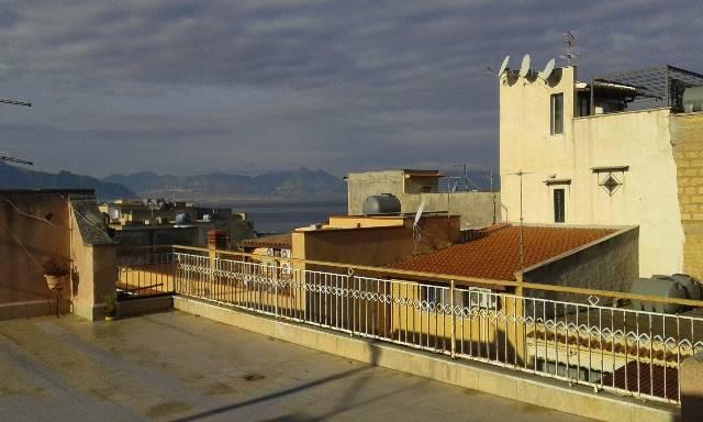 Appartamento in vendita a Bagheria, 3 locali, zona Zona: Aspra, prezzo € 95.000 | Cambio Casa.it