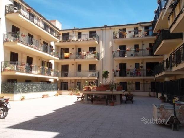 Appartamento in vendita a Ficarazzi, 3 locali, prezzo € 135.000 | Cambio Casa.it