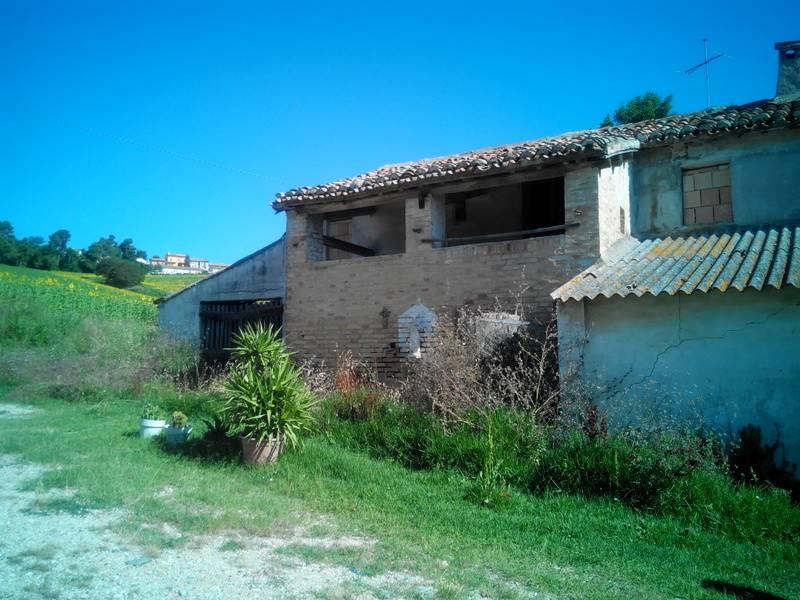 Soluzione Indipendente in vendita a Ancona, 12 locali, zona Zona: Posatora, prezzo € 200.000 | Cambio Casa.it