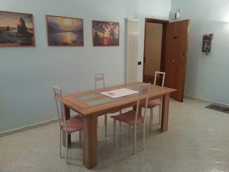Appartamento in affitto a Falconara Marittima, 6 locali, prezzo € 650 | Cambio Casa.it