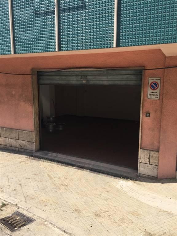 Attività commerciale Bilocale in Affitto a Ancona
