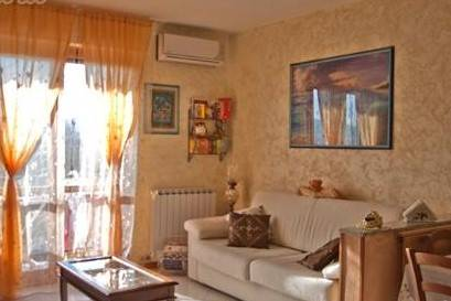Appartamento in vendita a Santo Stefano di Magra, 3 locali, zona Zona: Ponzano Magra, prezzo € 90.000 | CambioCasa.it