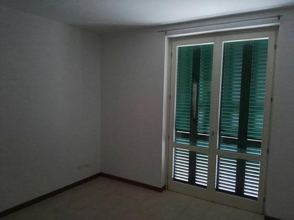 Appartamento in affitto a Sarzana, 4 locali, prezzo € 700   CambioCasa.it