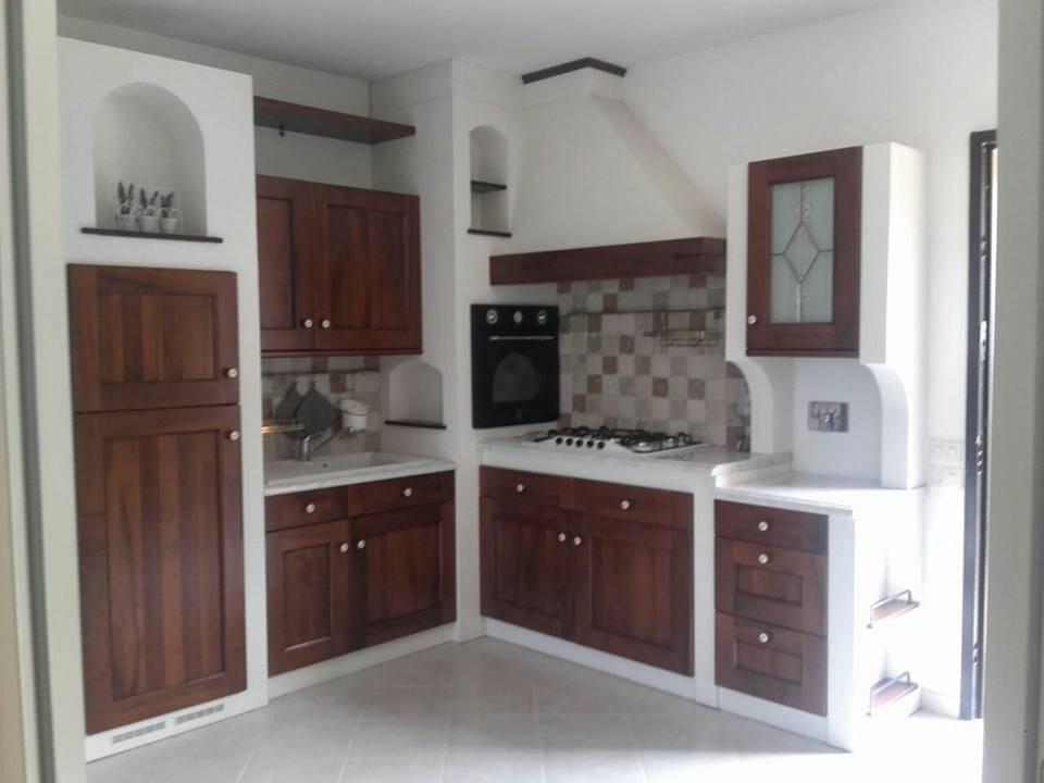 Soluzione Semindipendente in affitto a Bolano, 5 locali, zona Zona: Ceparana, prezzo € 800 | CambioCasa.it