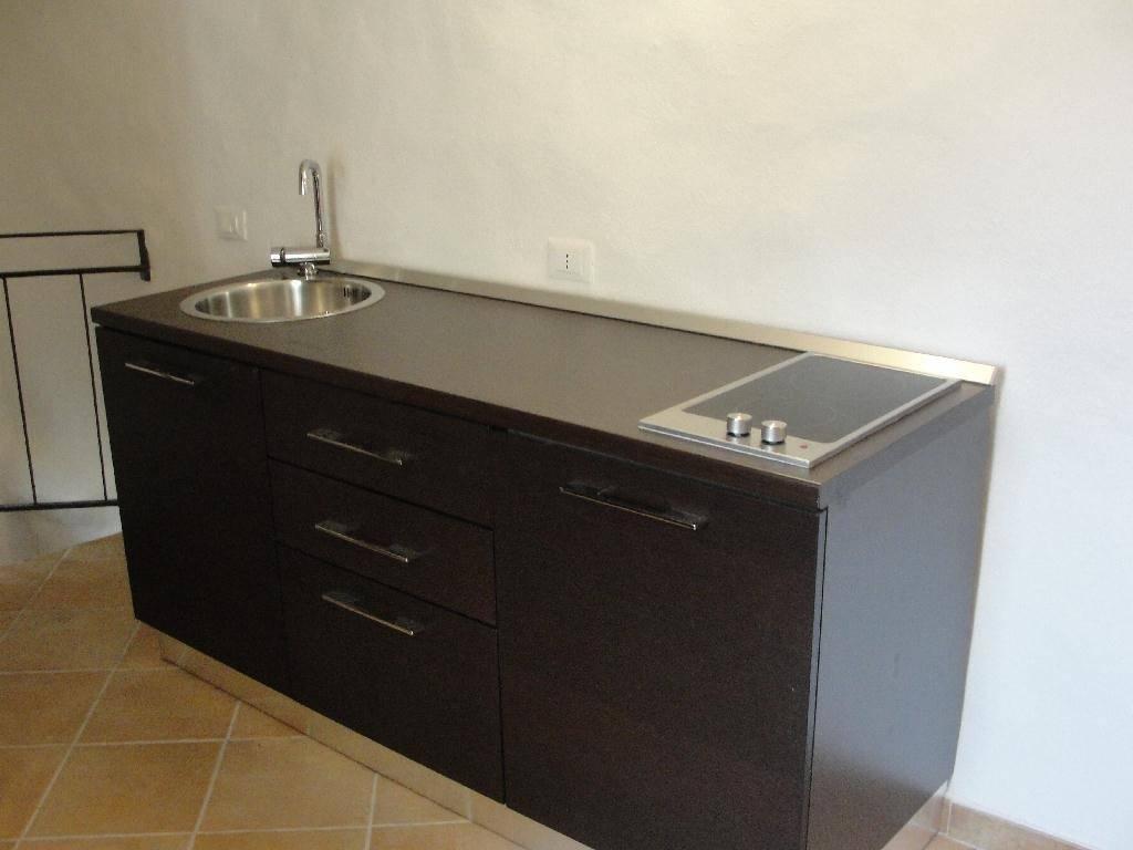 Soluzione Indipendente in affitto a Arcola, 3 locali, zona Zona: Trebiano, prezzo € 300 | CambioCasa.it