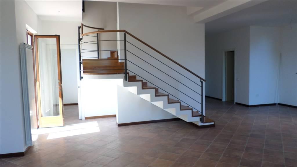 Villa in vendita a Aulla, 7 locali, zona Zona: Albiano Magra, prezzo € 390.000 | CambioCasa.it