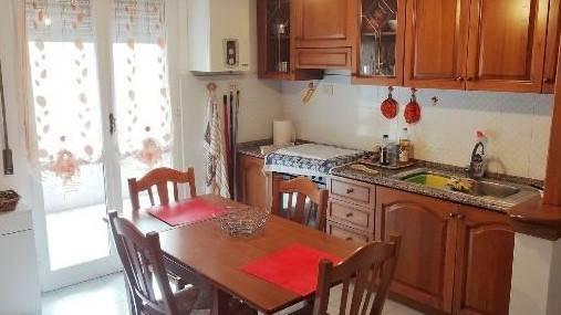 Appartamento in affitto a Arcola, 3 locali, zona Zona: Romito Magra, prezzo € 500 | CambioCasa.it