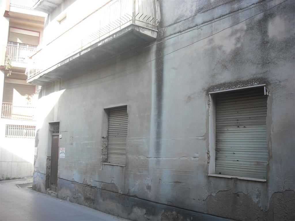 Appartamento in vendita a Naro, 8 locali, prezzo € 80.000 | Cambio Casa.it
