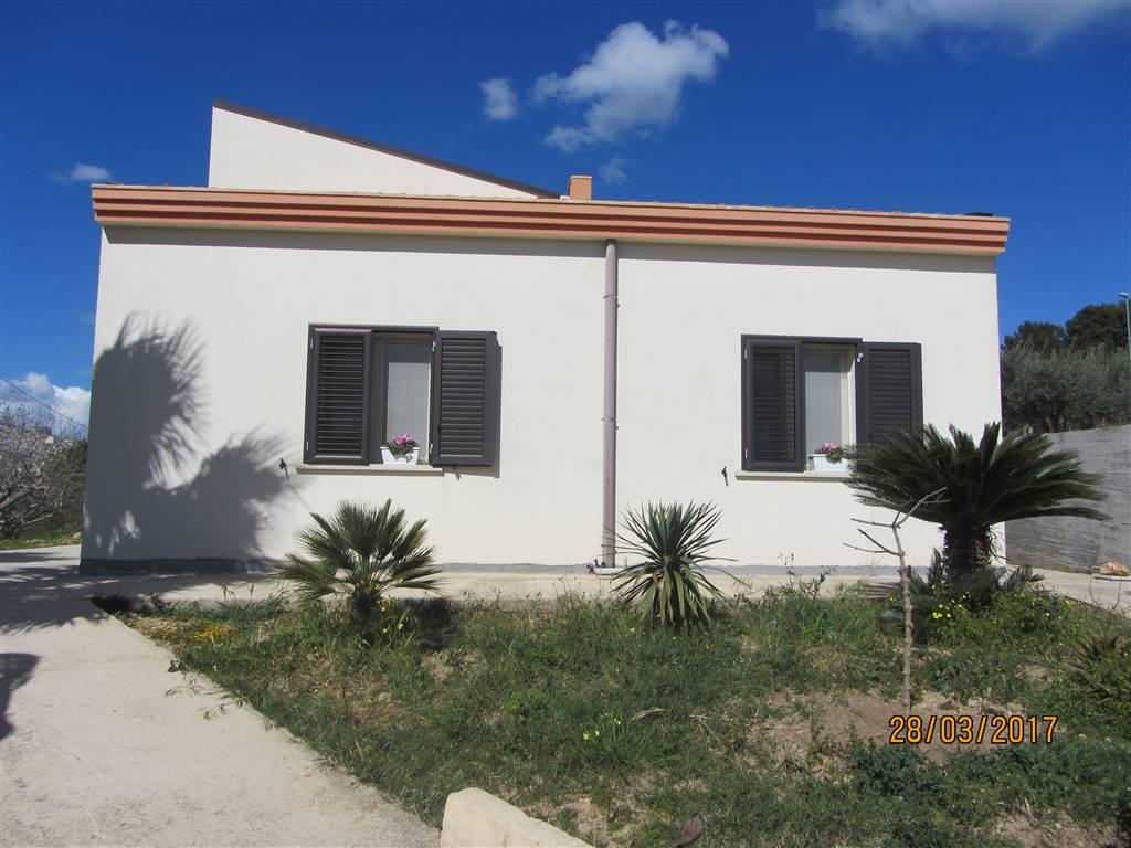Villa in vendita a Naro, 7 locali, Trattative riservate | CambioCasa.it