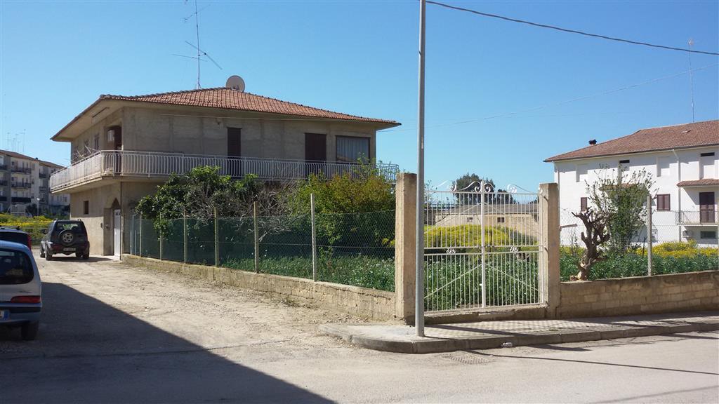 Villa in vendita a Ravanusa, 4 locali, Trattative riservate | Cambio Casa.it