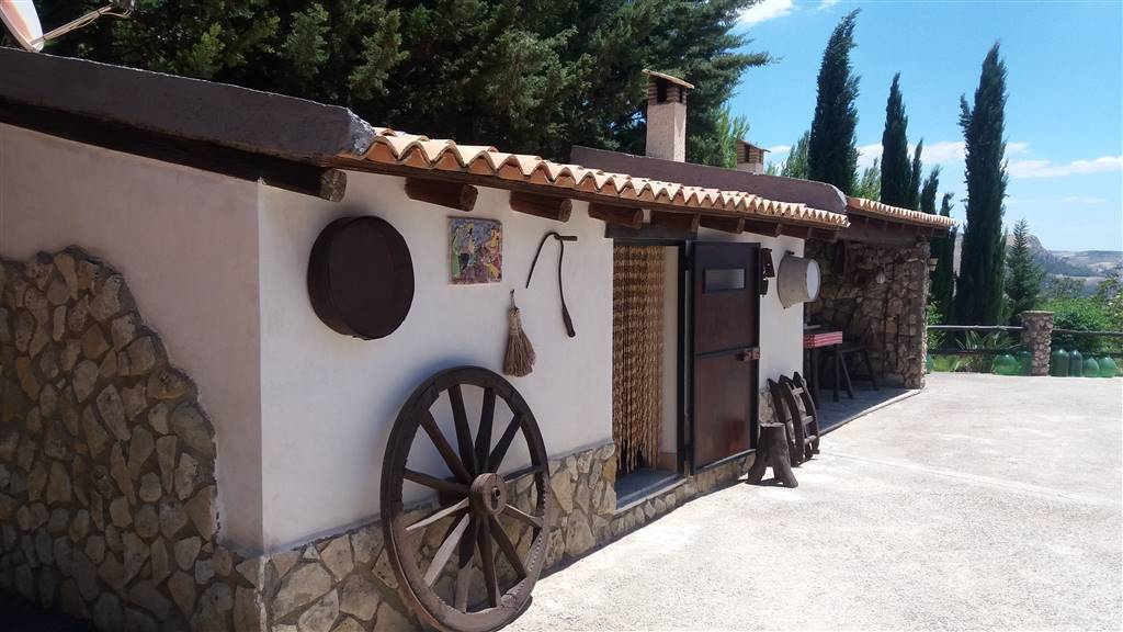 Villa in vendita a Ravanusa, 6 locali, Trattative riservate | Cambio Casa.it
