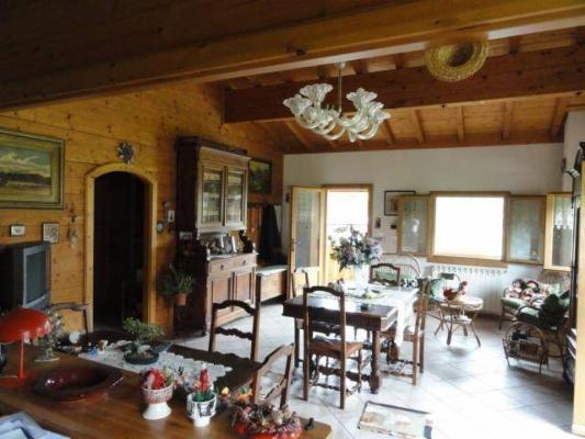 Villa in vendita a Demonte, 6 locali, prezzo € 220.000 | Cambio Casa.it