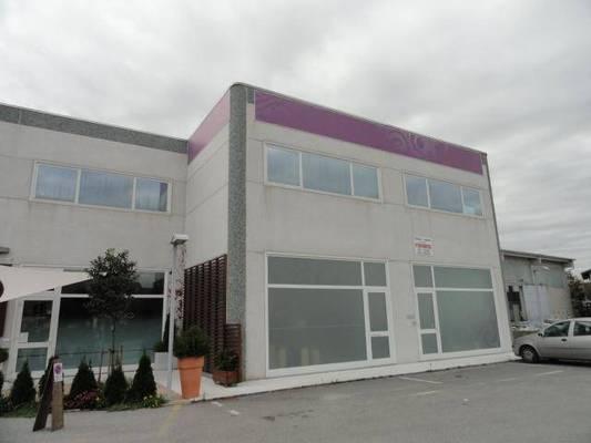 Attività / Licenza in vendita a Beinette, 6 locali, prezzo € 395.000 | Cambio Casa.it