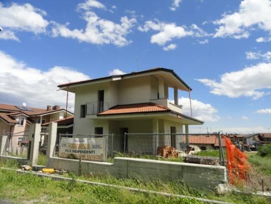Villa Bifamiliare in Vendita a Vignolo