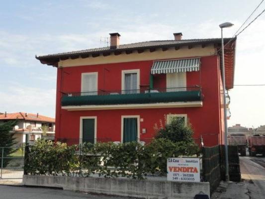 Appartamento in vendita a Roccavione, 6 locali, prezzo € 165.000 | Cambio Casa.it