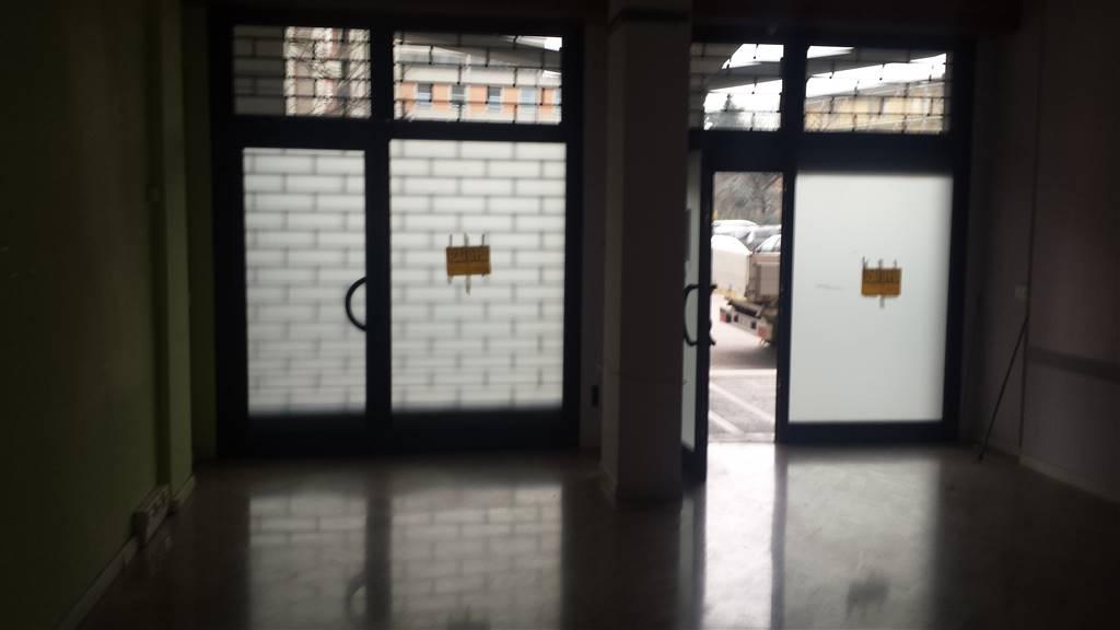 Negozio / Locale in affitto a Modena, 2 locali, zona Zona: Cittadella, prezzo € 600   CambioCasa.it