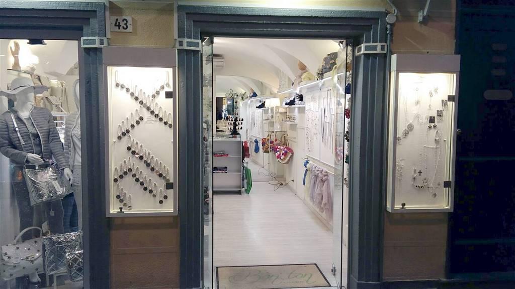 Negozio / Locale in vendita a Loano, 1 locali, prezzo € 35.000 | CambioCasa.it
