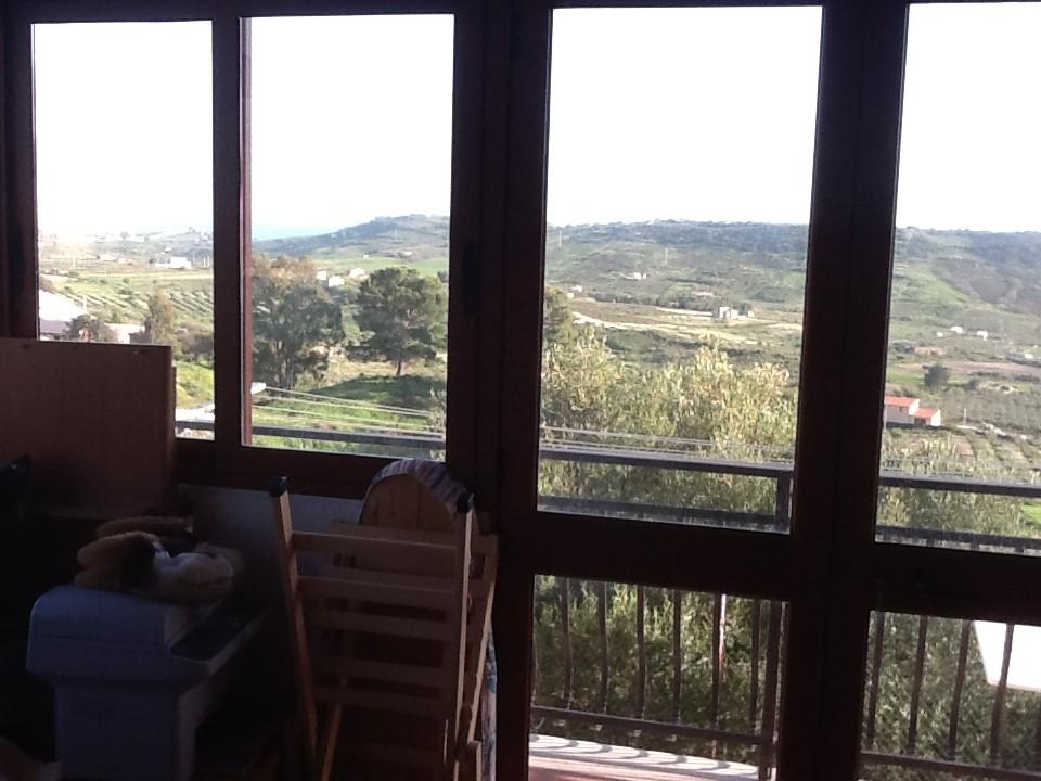 Villa in vendita a Realmonte, 6 locali, prezzo € 220.000 | Cambiocasa.it