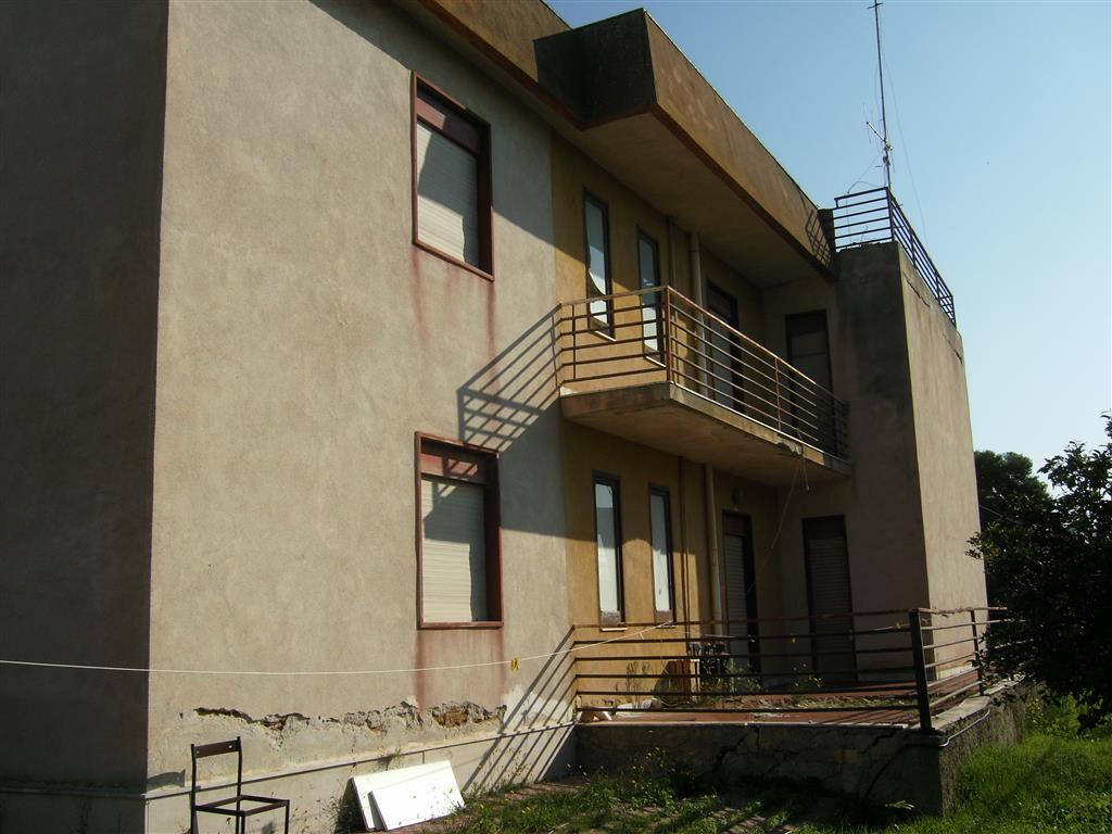 Villa in vendita a Porto Empedocle, 4 locali, Trattative riservate | Cambiocasa.it