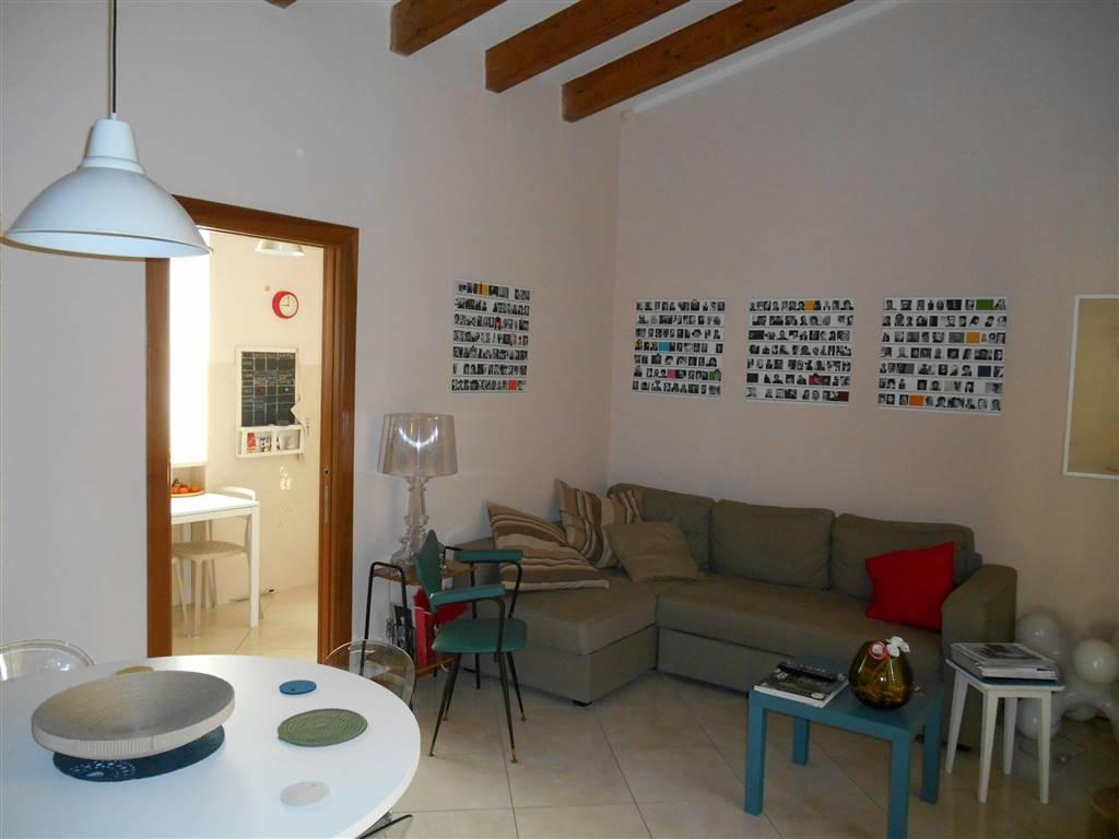 Trilocale in Via Francesco Saverio Correra, Montecalvario , San Giuseppe, Napoli