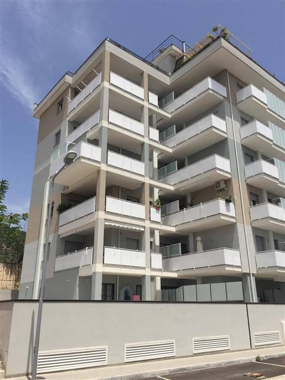 Appartamento in vendita a Salerno, 4 locali, zona Zona: Fuorni, prezzo € 240.000 | CambioCasa.it