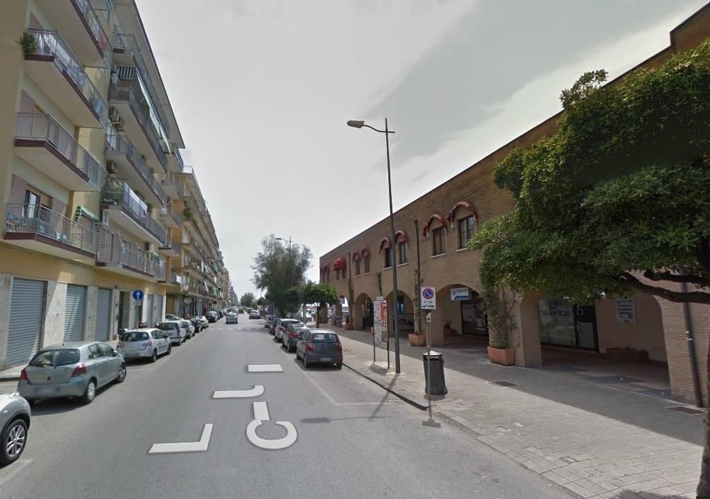 Negozio / Locale in vendita a Salerno, 9999 locali, zona Zona: Pastena, prezzo € 310.000 | CambioCasa.it