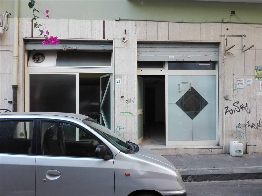 Negozio / Locale in affitto a Salerno, 9999 locali, zona Zona: Torrione, prezzo € 300   CambioCasa.it