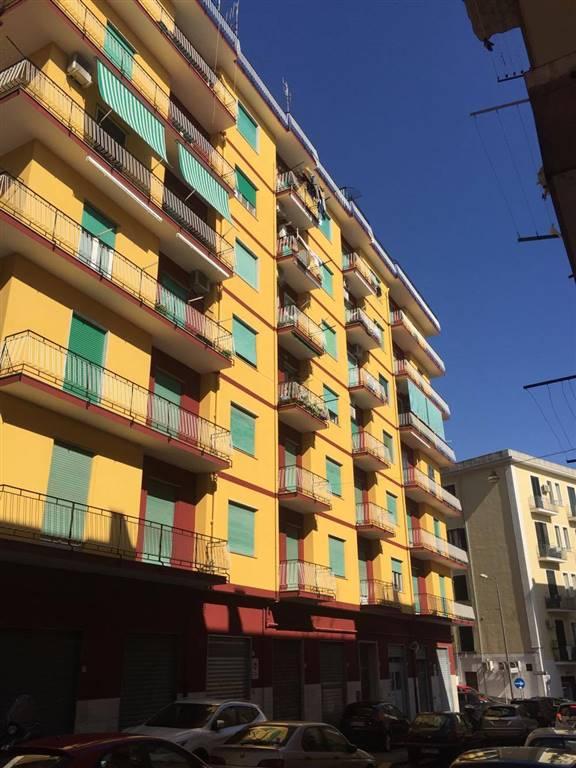 Appartamento in vendita a Salerno, 5 locali, zona Zona: Carmine, prezzo € 340.000 | CambioCasa.it