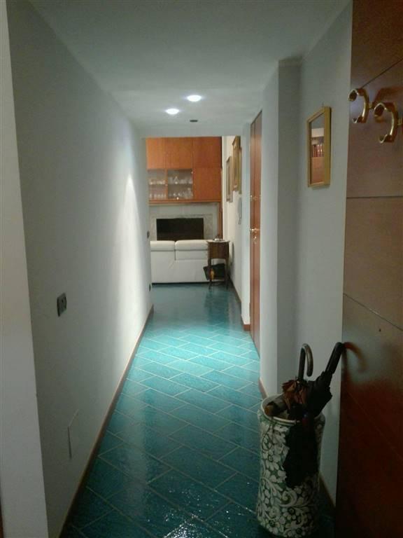 Appartamento in vendita a Pontecagnano Faiano, 4 locali, zona Zona: Pontecagnano, prezzo € 160.000 | CambioCasa.it