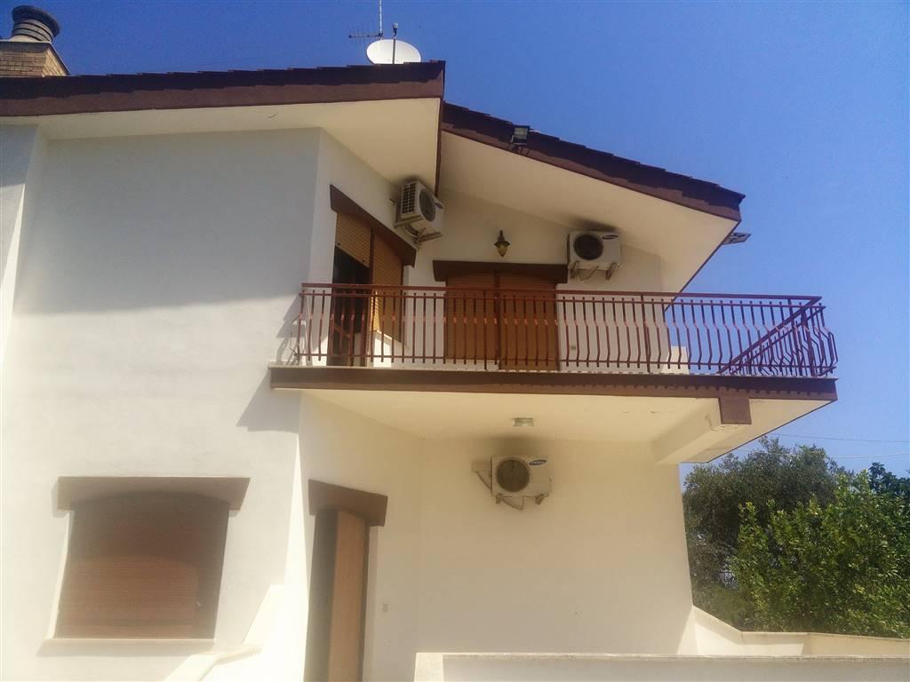 Bifamiliare in Via Bari  37, Torre a Mare, Bari