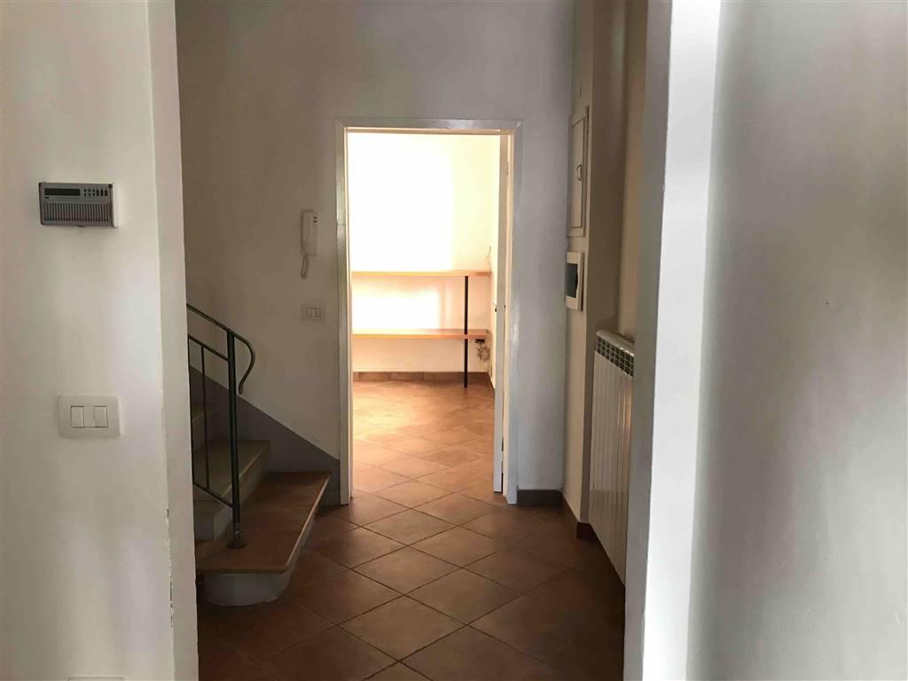 Soluzione Indipendente in affitto a Vaiano, 5 locali, prezzo € 800 | CambioCasa.it