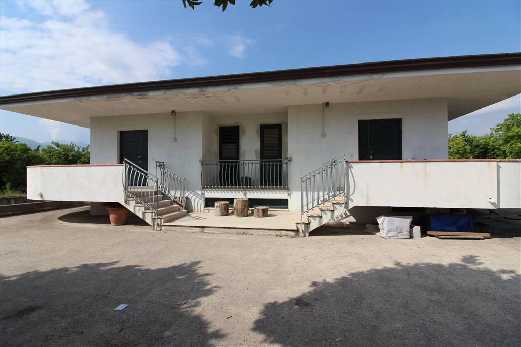 Villa-Villetta  in Vendita a Pontecagnano Faiano