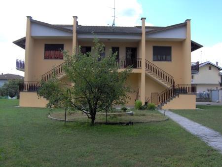 Villa in vendita a Gambolò, 6 locali, prezzo € 480.000 | Cambio Casa.it