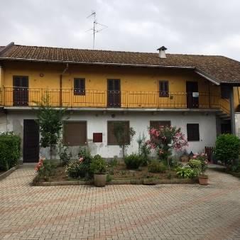 Soluzione Indipendente in vendita a Gravellona Lomellina, 5 locali, prezzo € 95.000 | Cambio Casa.it